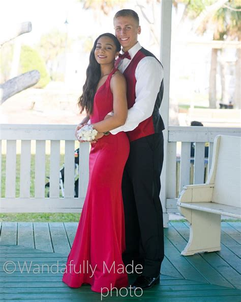 I can't help but post more of this adorable couple on prom