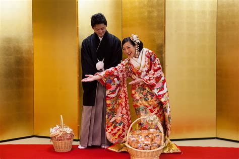 Japanese and Australian couples have something in common