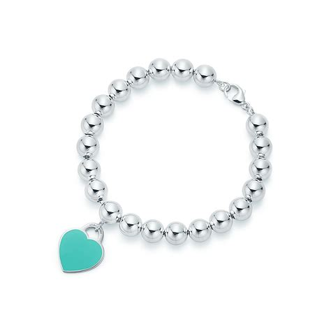 Return to Tiffany™ heart tag in sterling silver on a bead