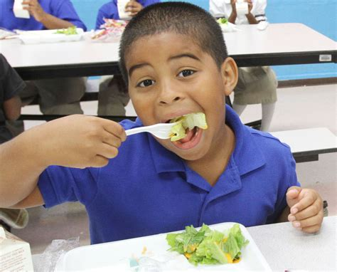 Salem City school working to teach students healthy eating