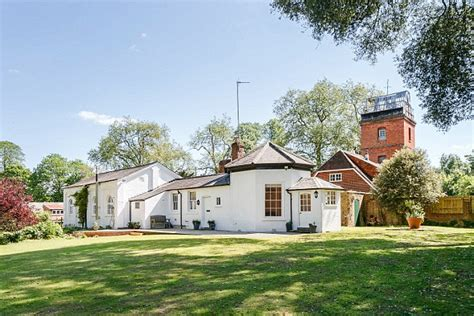 Charming cottage where author wrote Doctor Zhivago is