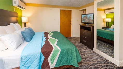 Penthouse Suite at Country Cascades Waterpark Resort