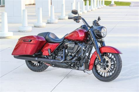 2017 Harley-Davidson Road King Special   First Ride Review