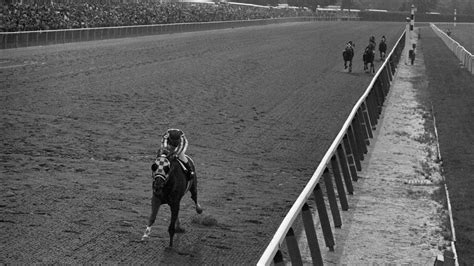 Real Footage Of The Powerful Secretariat Record-Breaking