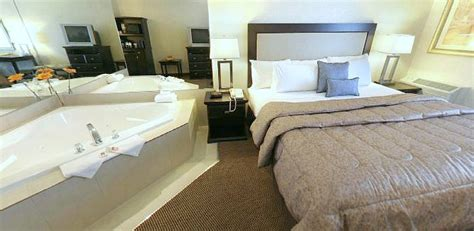 Jacuzzi® Suites in Texas plus Hotels & Cabins in TX with