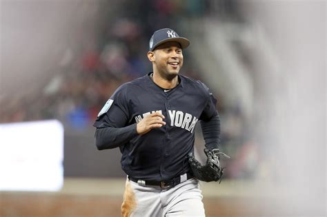 Yankees put Aaron Hicks on DL: What it means - nj