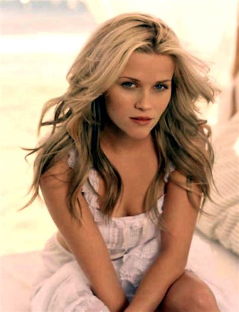 Reese Witherspoon Age Height Weight Feet Measurements Legs
