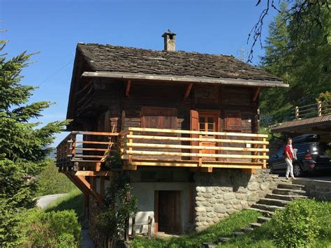Old chalet, gorgeous view, extremely quiet - Chalets for